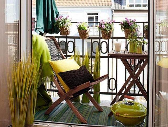 amenajare-balcon-mic-apartament-bloc